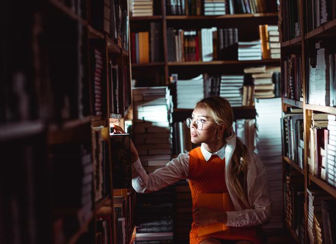 Ориентация — литромантик: почему мы охотно влюбляемся в персонажей книг и кино