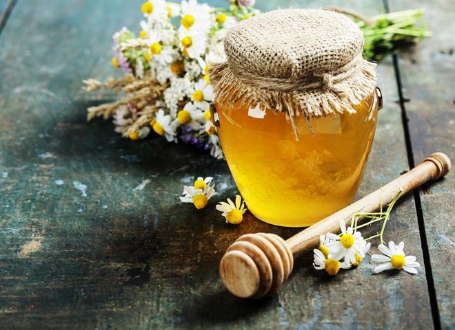 Мед натощак: чем полезен, сколько и в каком виде употреблять