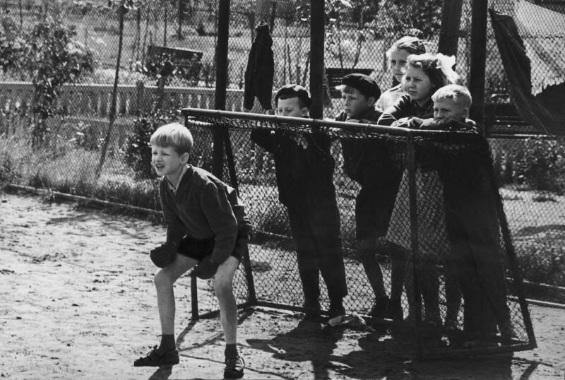 Дети СССР: как развлекались самые занятые на свете люди
