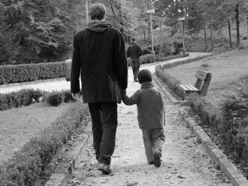 При разводе отдала ребёнка бывшему мужу, а сама[ну вы все поняли...]