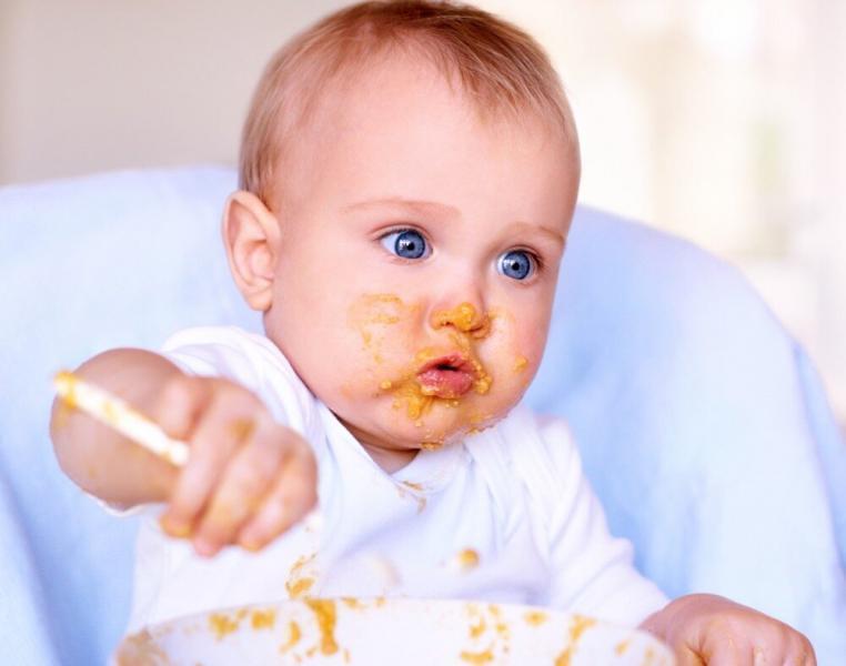 10 шагов к тому, чтобы малыш ел САМ.
