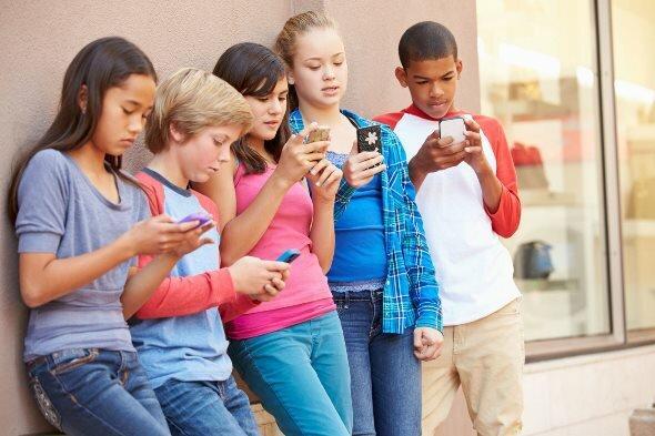 Отвлечь ребёнка от телефона: миссия невыполнима?
