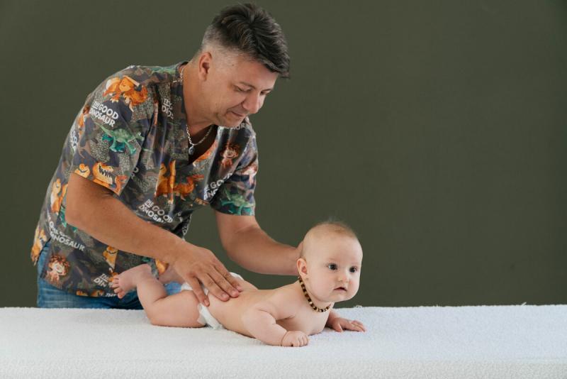 Развитие ребенка 3-6 месяцев: что важно знать