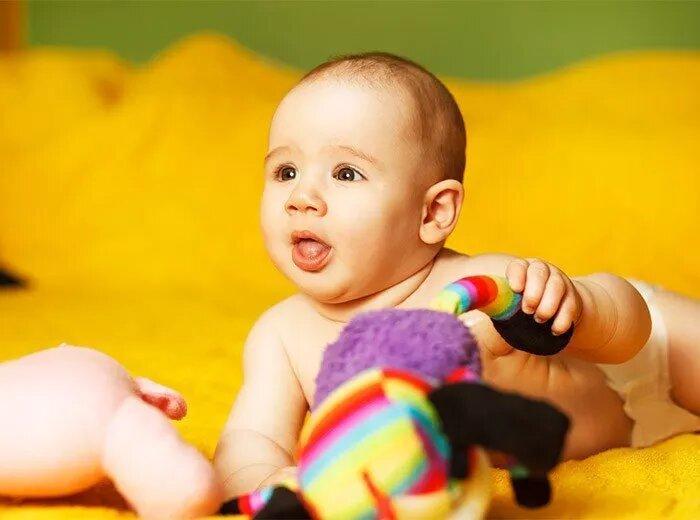 Развитие ребёнка в 6 месяцев