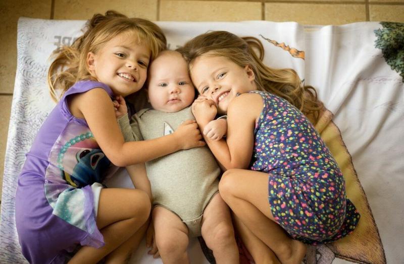 У меня две родные дочки, и обе - Жени