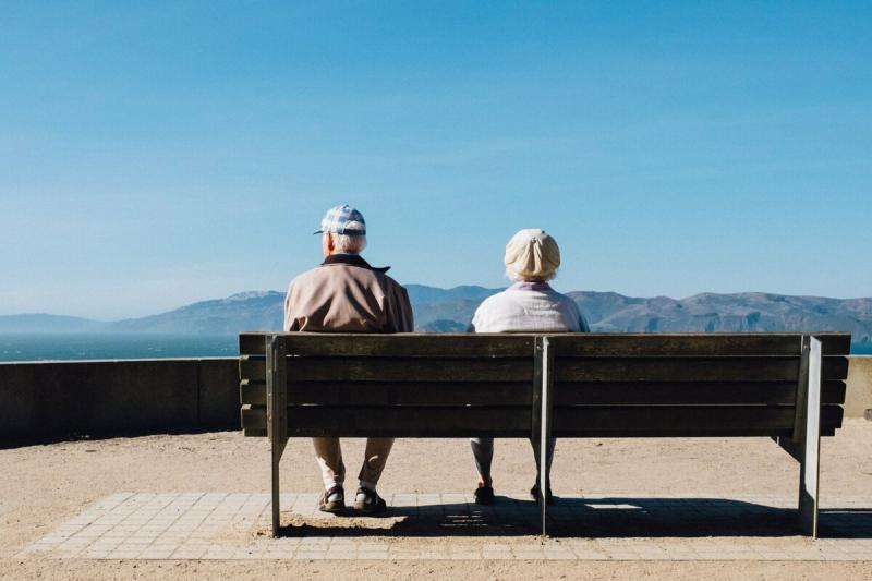 Сдам родителей в дом престарелых: им уже по 50 лет