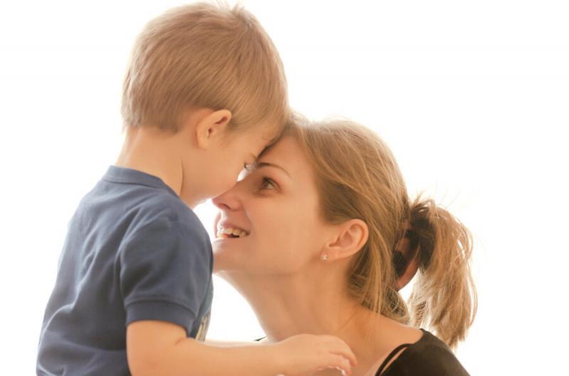 Как объяснить ребенку, что нельзя кидать вещи?
