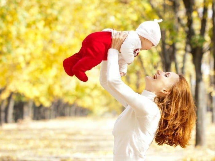 Как одевать новорожденного осенью на прогулку