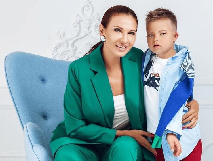 Каким растет особенный сын Эвелины Блёданс, которому уже 8 лет