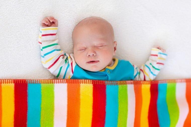 Все секреты здорового сна у детей до 1 года