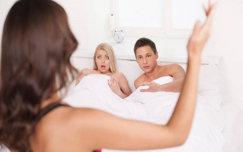 13 признаков изменщика. Как распознать девушку или мужчину, которые изменяют?