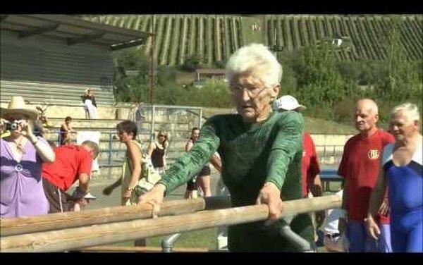 Ей 95 лет: старейшая действующая гимнастка вмире — Йоханна Кваас