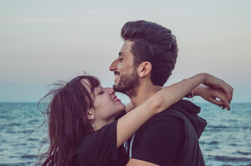 Как определить женатого мужчину: 6 советов женщинам
