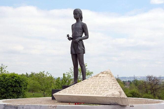 Мальчик изБеслана идругие памятники российским детям: нежные истрашные