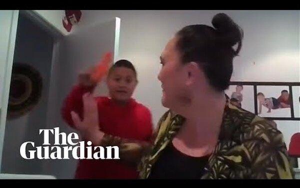 Привет мамам, работающим наудаленке: сын министерки показал морковку вэфире