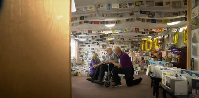 Ветеран ВМВ получил 5000 открыток на101-ый день рождения — отнезнакомых людей