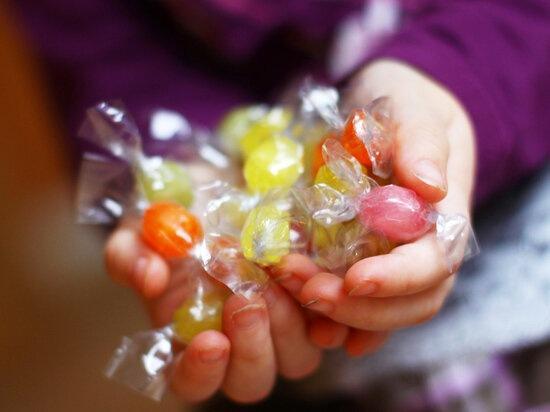4 вещи, которые нельзя приносить в детский сад