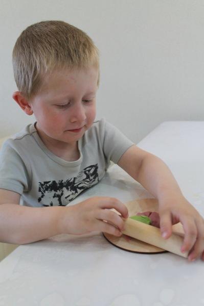 Как я приучила ребенка есть пластилин